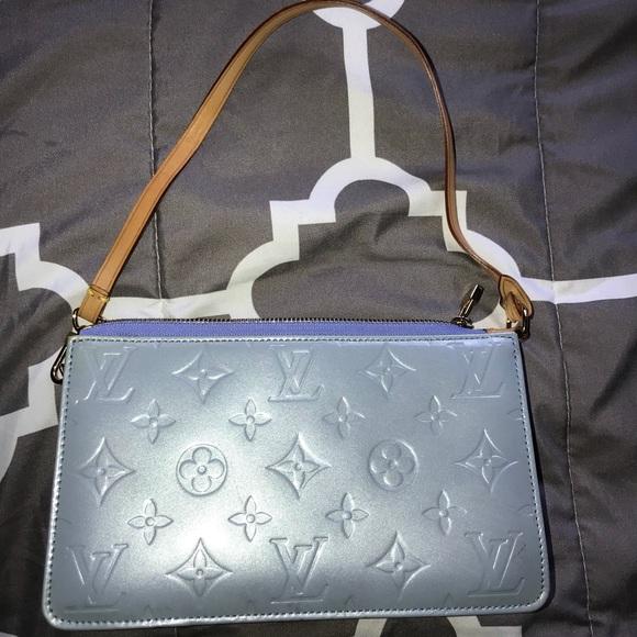 Louis Vuitton Handbags - LV Monogram Lexington Pochette Vernis b58e3aac610f1